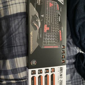 GAMING KEYBOARD WITH MOUSE PAD for Sale in Brentwood, MD