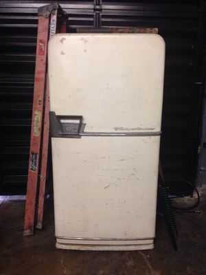 Antique Fridgeaire refrigerator for Sale in Miami, FL