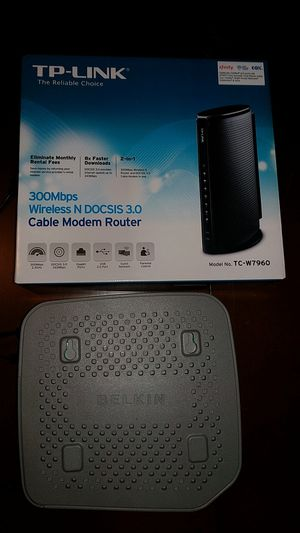 Router and Belkin battery backup (Comcast) for Sale in Houston, TX