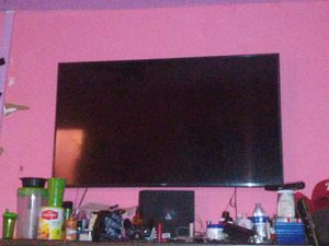60 inch Samsung smart tv for Sale in Philadelphia, PA