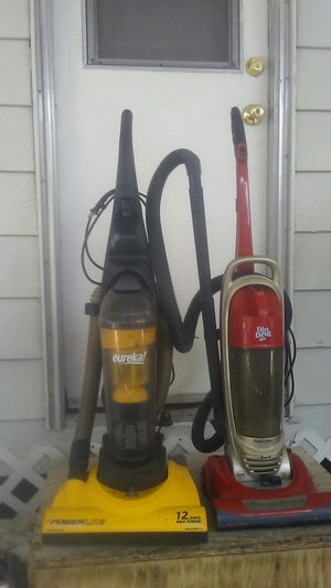 Eureka &dirt devil vacuum. 2 of them for Sale in Las Vegas, NV