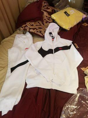 Nike Suit for Sale in GILLEM ENCLAVE, GA