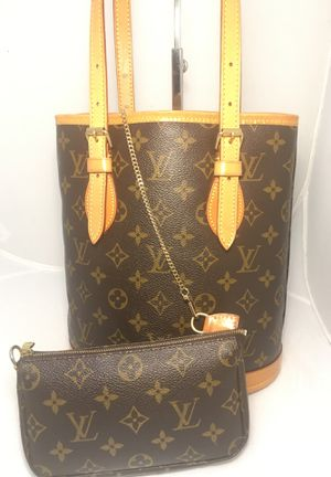 Louis Vuitton Monogram Petit Bucket Bag with Pouch for Sale in Columbus, OH