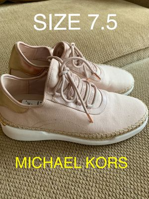 MICHAEL KORS NUEVOS SIZE 7.5 $70 Dlls for Sale in Fontana, CA