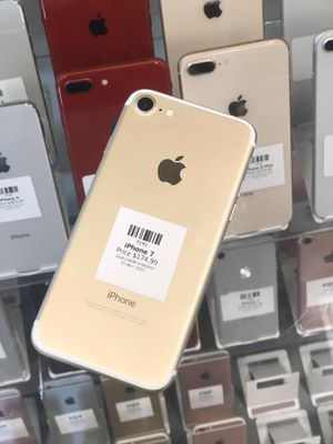 Gold IPhone 7 256GB (CARRIER UNLOCKED) for Sale in Rancho Cordova, CA