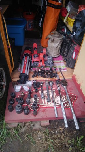 """1/2""""to 1"""" sockets and wrenches by proto and Stanley for Sale in Portland, OR"""