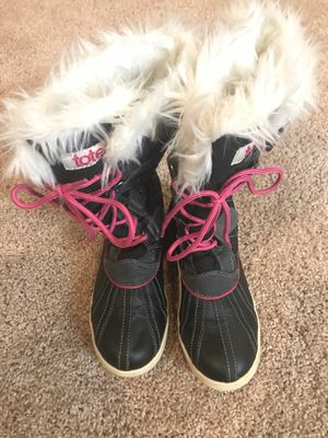 Totes Girls Size 2 Medium Snow Boots for Sale in New Berlin, WI