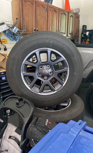 """Brand new 18"""" overland gladiator (Jeep) wheels and tires for Sale in Lewis Center, OH"""