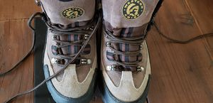 Hiking boots worn twice. Waterproof. Steel toe for Sale in Hemet, CA