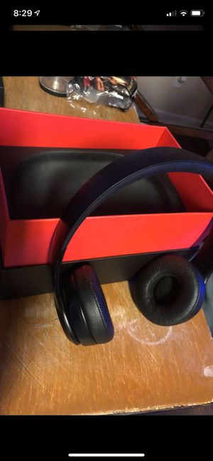 BEATS Solo 3 Matte black for Sale in Loganville, GA