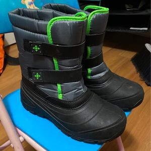 Kids Snow Boots for Sale in East Windsor, NJ