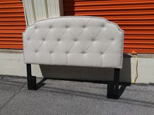 Like new queen tufted nailhead headboard for Sale in Nashville, TN