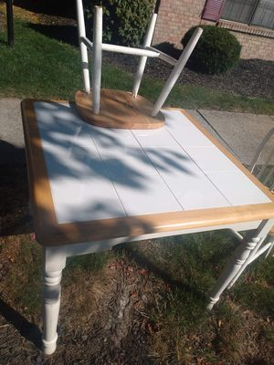 Kitchen Table and Chairs for Sale in Dublin, OH