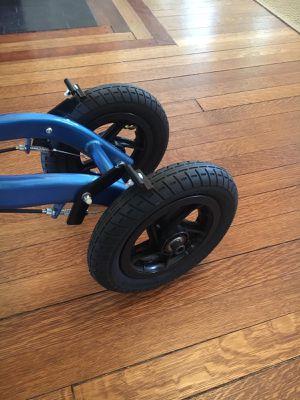 OasisSpace, rodillera para todo terreno con ruedas de aire inflables, especialmente y muy útil para lecciones de tobillos, caderas, piernas, espalda for Sale in Elizabeth, NJ