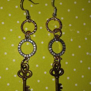 Key Earrings for Sale in Batesburg-Leesville, SC
