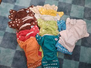 42 Fuzzibunz cloth diapers and many many inserts for Sale in Seattle, WA