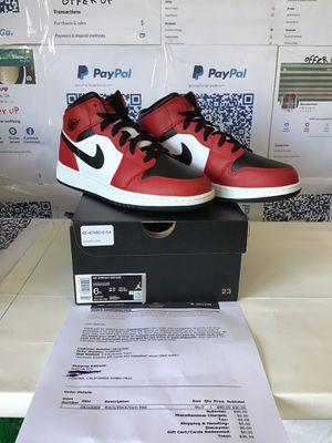 Air Jordan 1 mid Chicago toe size 6Y for Sale in Corona, CA