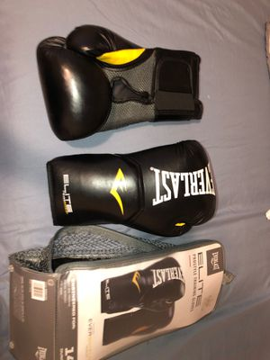 Boxing gloves for Sale in Grover Beach, CA