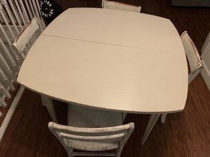 Rustic kitchen table and chairs for Sale in Salt Lake City, UT