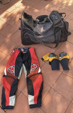 Reduced Price!! Dirtbike Bag & Knee Pads for Sale in Walnut Creek, CA