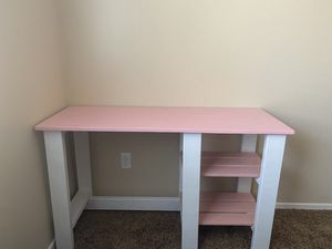 Kids School desk. for Sale in Bakersfield, CA
