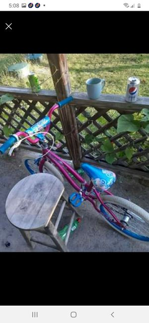 18inches little girls bike for Sale in Elyria, OH