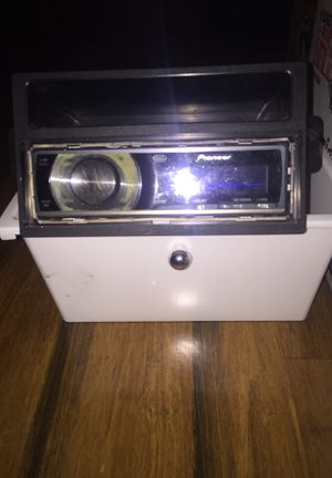 Pioneer CD player and 2 amps (Sony Xplod & excess) for Sale in Federal Way, WA