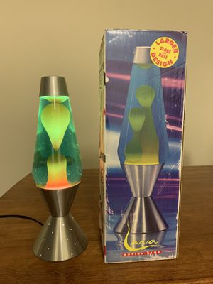 """16.5"""" Lava Lamp Silver Blue water Yellow wax with bulb for Sale in Las Vegas, NV"""
