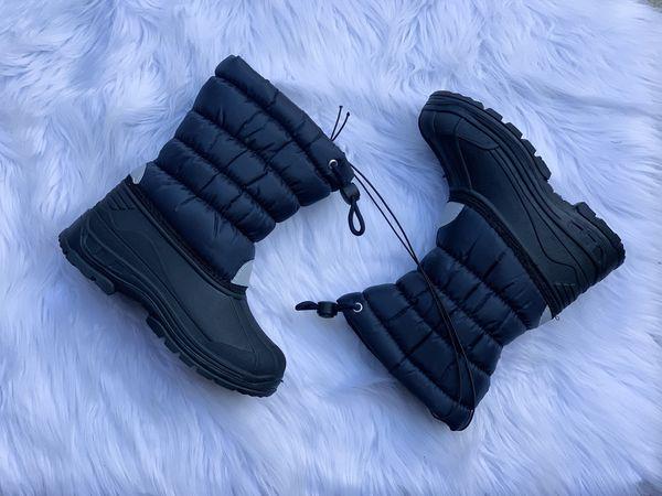 Snow boots for kids / kids snow boots/ botas para la nieve de niños sizes 9,10,11,12,13,1,2,3,4, ... $25 each pair