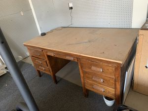 Free work desk and queen mattress! for Sale in Roseville, CA