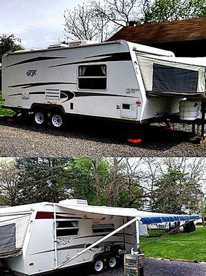 19ft. hybrid camper Rockwood ROO Forest River 09 for Sale in Irvine, CA