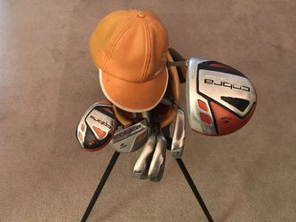 Ricky Fowler Kids Golf Club set with bag and head cover for Sale in Sacramento,  CA