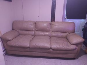 Leather couch for Sale in Saint Clair, MO