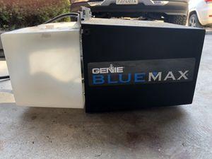 Genie power screw garage door opener for Sale in Vista, CA