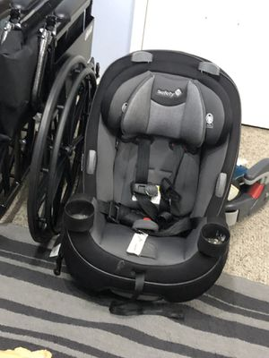 Car seat. Safety first for Sale in Arlington, TX