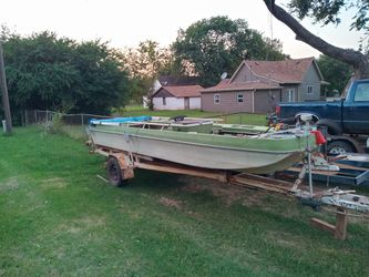 Fishing boat w/oning,and 3trollermotors,trailer tilts,and for Sale in Guthrie,  OK