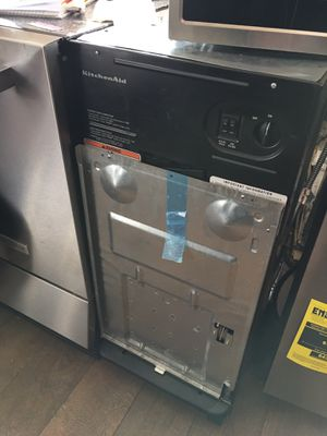 Kitchen Aid Trash Compactor for Sale in Carson, CA