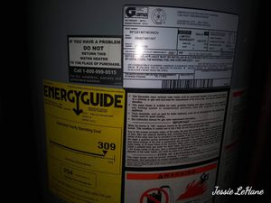 American water heater company 40 gallon natural gas water heater for Sale in Cleveland, OH