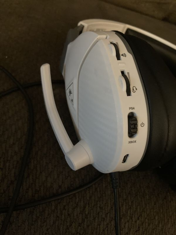 Turtle Beach White Ear Force Recon 200s