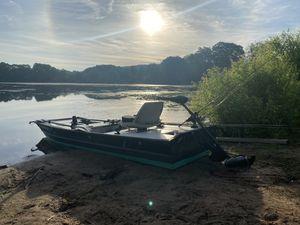Jon mini bass boat for Sale in Meriden, CT