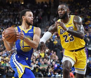 Golden State Warriors vs Los Angeles Lakers Tickets for Sale in San Francisco, CA