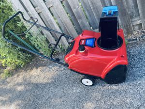 """Toro power clear 21"""" 2 cycle snowblower starts at first pull for Sale in Lombard, IL"""