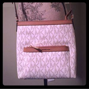 Michael Kors Womens Morgan Medium Messenger bag for Sale in Worcester, MA