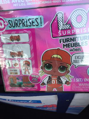 LOL SURPRISE FURNITURE MEUBLES DOLL INCLUDED for Sale in DeSoto, TX