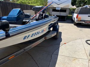 Skeeter bass boat for Sale in Fresno, CA