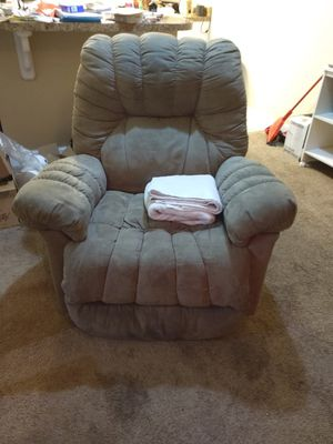Recliner for Sale in Clayton, NC