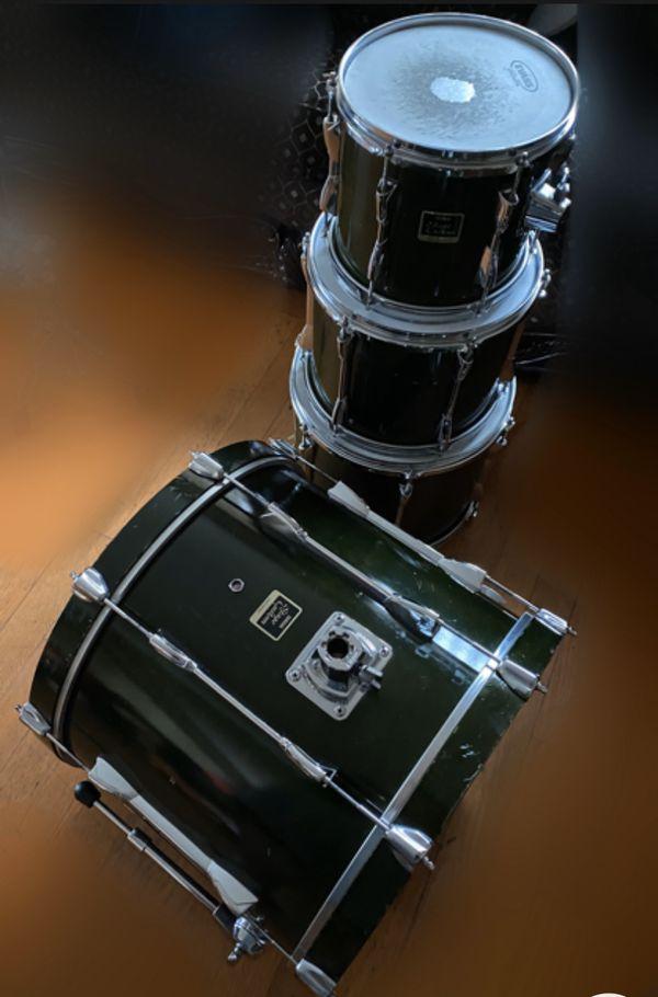 Yamaha stage custom drums