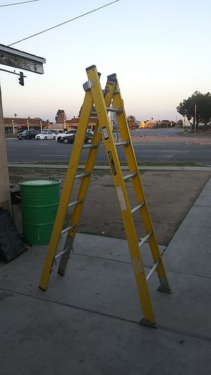 ALACO UTILITY SPAN LADDER for Sale in Bloomington, CA