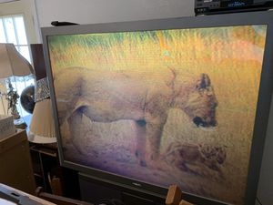"""Philips 60"""" inch projection big screen tv for Sale in McQueeney, TX"""
