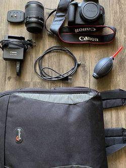 Canon EOS Rebel T5i DSLR Camera + 18-55mm IS Lense + Accessories for Sale in San Diego,  CA